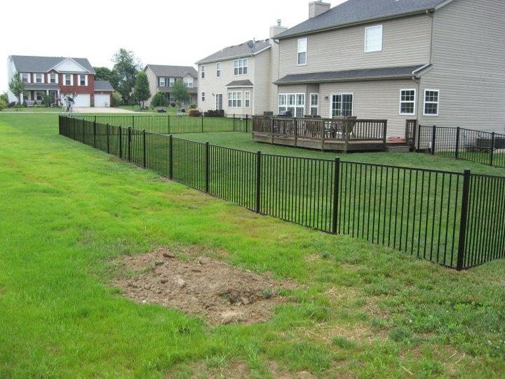 Steel Fence Installation In Mo And Il Yard Fencing In Steel