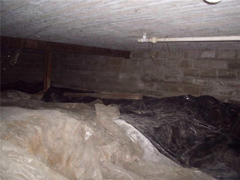 Before Photo of Union Grove Crawl Space