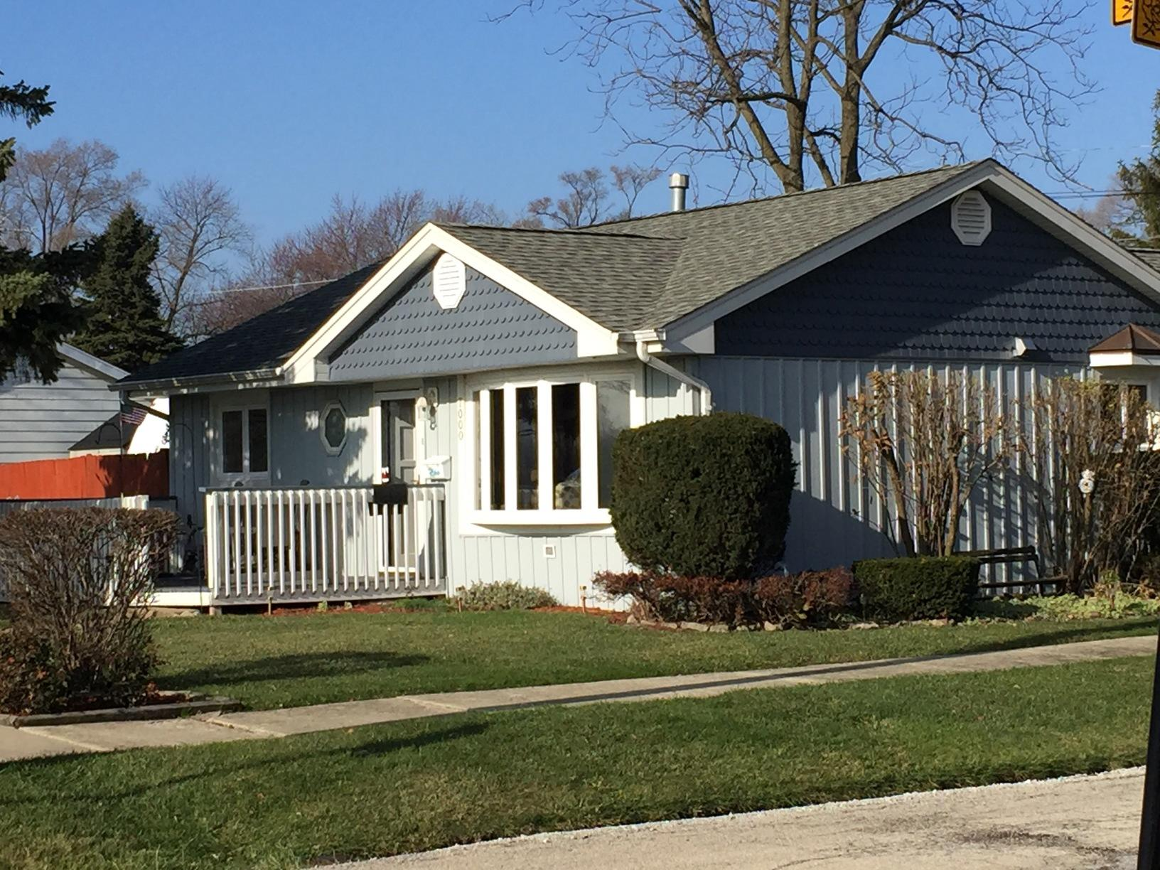 Siding (insulated), Aluminum Soffit, Fascia and Gutters, & Roofing Project in Worth IL