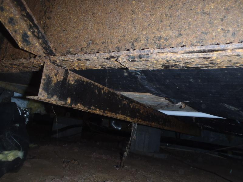 Crawl Space Repair in Rehoboth Beach, DE to Fix Rusty Crawl Space