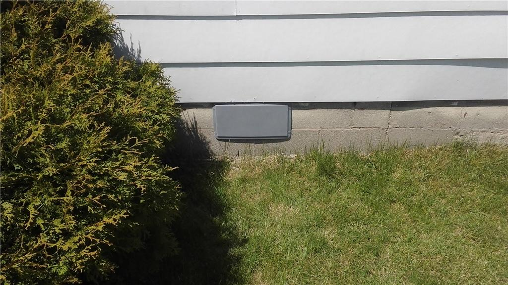 Vent Covers Keep Crawl Space Dry