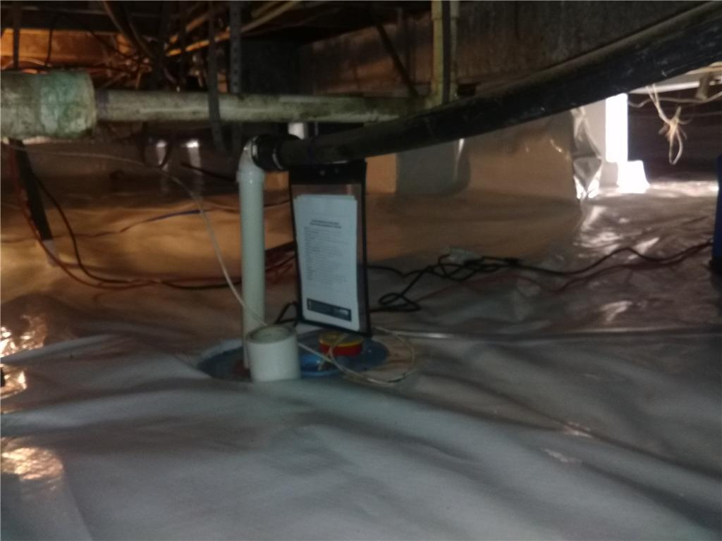 Clean, Lowered Crawl Space Humidity