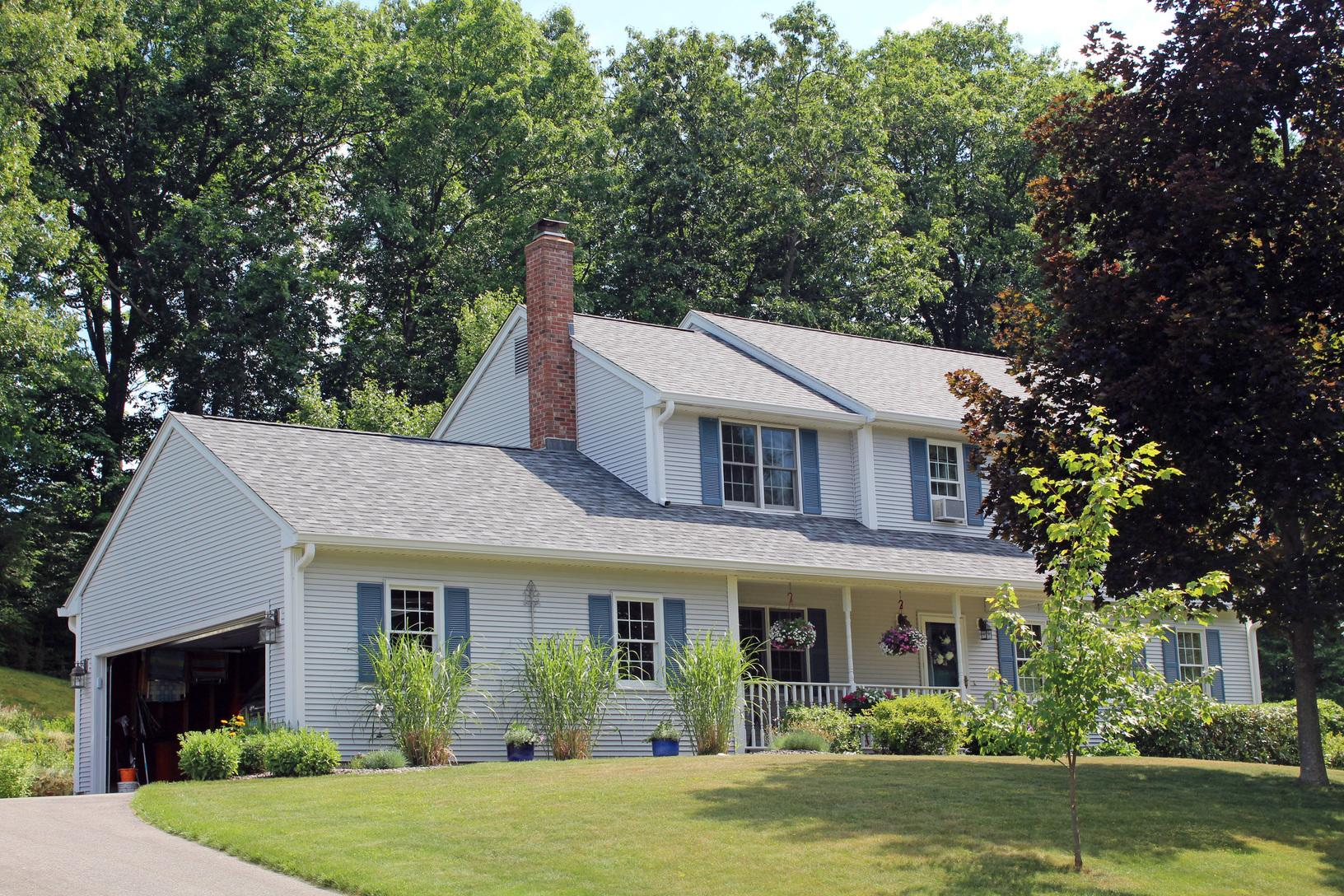 Professional Roof Replacement in Manchester, CT
