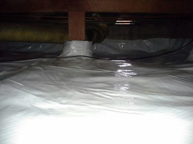A finished crawl space encapsulation job in Modesto, CA.