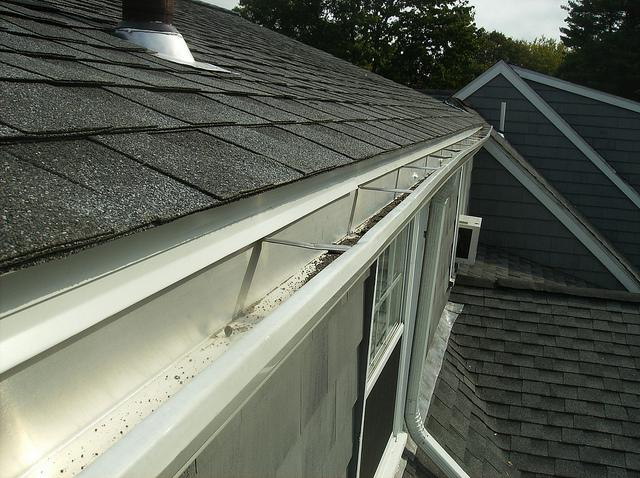 Asphalt roofing and aluminum shingles in Chestnut Hill, MA