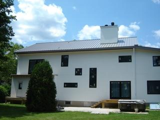 The metal roof we installed on this home in Mountainside, NJ was the perfect match for the rest of its contemporary exterior.