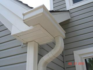 Up close front view of vinyl siding in Southampton, PA. We work around gutters and other elements that come into contact with your siding.