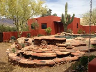 The paint color of the casita and main house tied in with the other landscaping around the property.